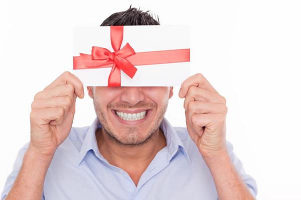 Чтобы мужчина дарил подарки 94